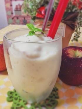りんごヨーグルトスムージー