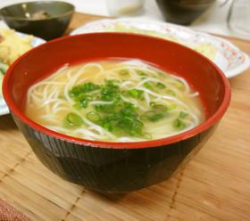 *素麺入り味噌汁*