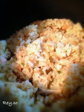 ガーリック香るバター醤油味の炊き込みご飯