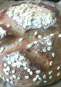 麦粉と梨のカンパーニュ。