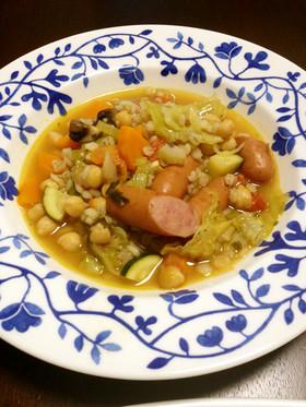 ひよこ豆と大麦の入ったヘルシー野菜スープ