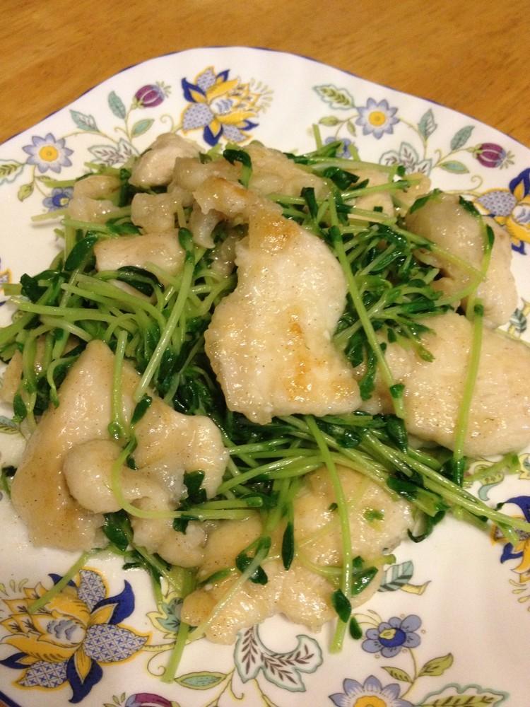 鶏ムネ肉&豆苗のガリバタレモン炒め