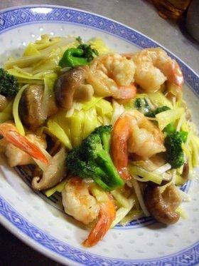 黄ニラと海老のカラフル炒め物