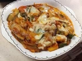 豚肉とナスと野菜のトマトチーズ焼き