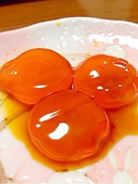 炊きたての白ご飯に!卵の黄身の醤油漬け