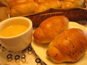 ☆HB☆黒ゴマのロールパン
