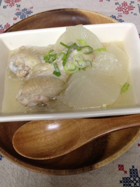 スープも美味!鶏手羽元と大根のトロトロ煮