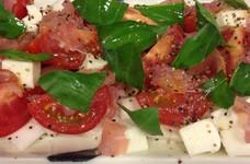 トマトとカブのカプレーゼ