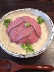 ローストビーフのとろろ丼(再現レシピ)の写真