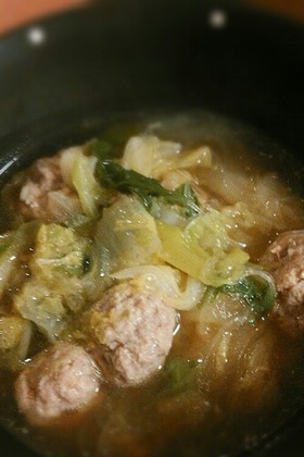 大人気☆白菜と肉団子のスープ鍋