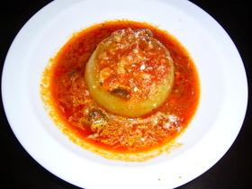 玉ねぎの肉詰めトマトソース煮込み