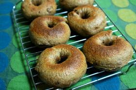 天然酵母パン:いちじくとくるみのベーグル