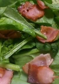 ほうれん草とカリカリベーコンの簡単サラダ