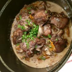 ボジョレーヌーボーで作る鶏のストウブ煮
