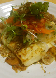 簡単♪お豆腐のステーキサラダ風仕立ての写真