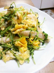豆苗とササミのふんわり卵炒めの写真