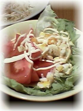 トマトとレタスのタルタルサラダ