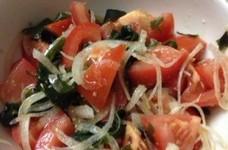 切って混ぜりゃいい簡単トマトサラダ