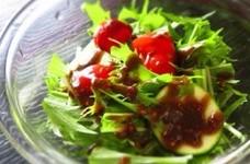 水菜とズッキーニのマスタードサラダ