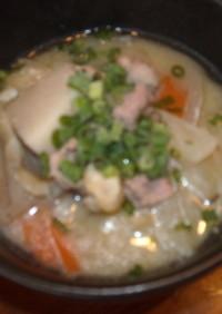 冷凍野菜と冷凍豚肉で超簡単に豚汁