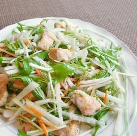 秋鮭とたっぷり冬野菜のデリ風サラダ