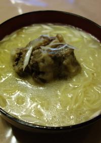 牛テールスープのラーメン