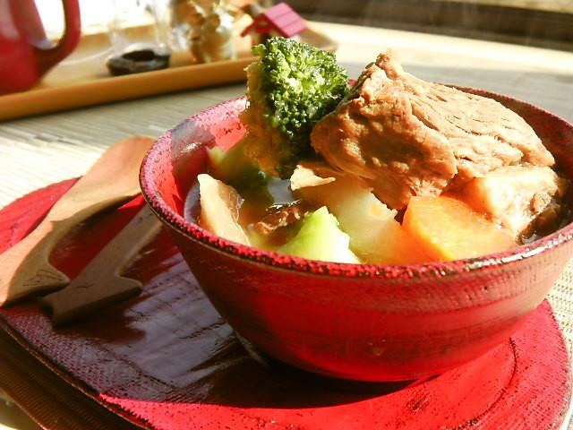 牛スジ&クローブ&野菜でポトフ!