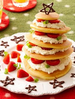 ホットケーキで作る簡単クリスマスケーキ
