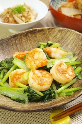 ぷりっぷり♪海老と小松菜のにんにく塩炒め