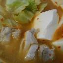 鶏肉とキャベツと豆腐の3点味噌鍋