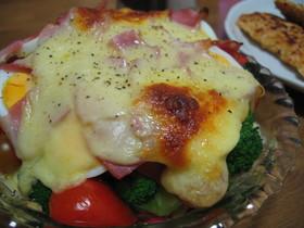 トマトとブロッコリーのチーズ焼き☆