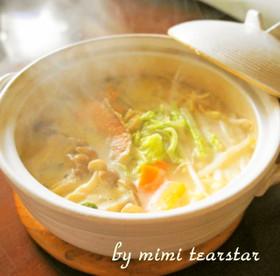 焼き鮭の粕汁風ごま豆乳鍋