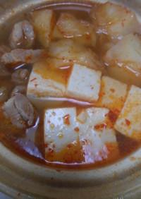 豚肉とじゃが芋と豆腐の3点鍋・コンソメ味