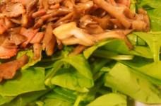 ほうれん草サラダ♥舞茸とベーコンのせ