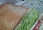 簡単ランチにサンドイッチ