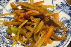 節約レシピ☆ブロッコリーの茎でキンピラ