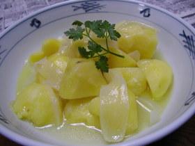 シンプルな美味しさ☆じゃが玉のバター煮