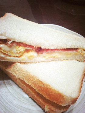 *ボリューミーなサンドイッチ*