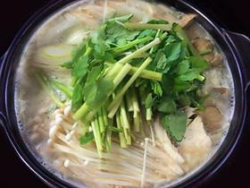 豆乳入りおぼろ豆腐でスープが旨い豆乳鍋