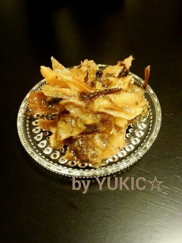 我家の正月料理☆かすべ(エイ干物の煮物)