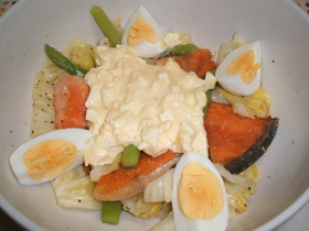 鮭とキャベツのタルタルサラダ