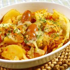 キャベツとソーセージのトマト煮こみ