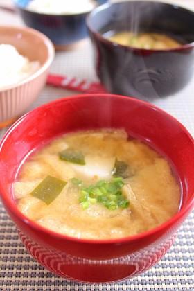 里芋とワカメのお味噌汁