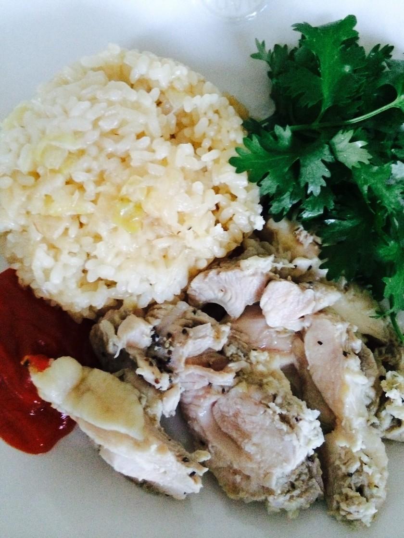 土鍋で作る海南鶏飯