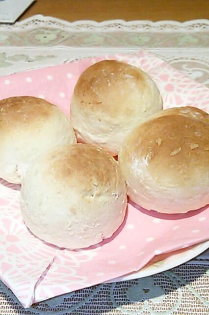 卵なしで簡単!薄力粉で基本のミニ丸パン♡