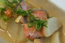 塩鮭と大根の中華風煮物