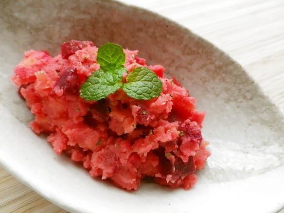 レンジで!真っ赤なビーツのポテトサラダ