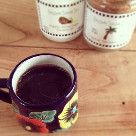 【ココナッツオイル】をコーヒーにプラス。