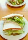 栄養満点レタスシャキハム玉ねぎ卵サンド