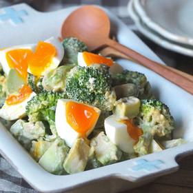 アボカド 卵 サラダ もう使い道に悩まない!アボカドのおしゃれ&おいしいレシピをご紹介
